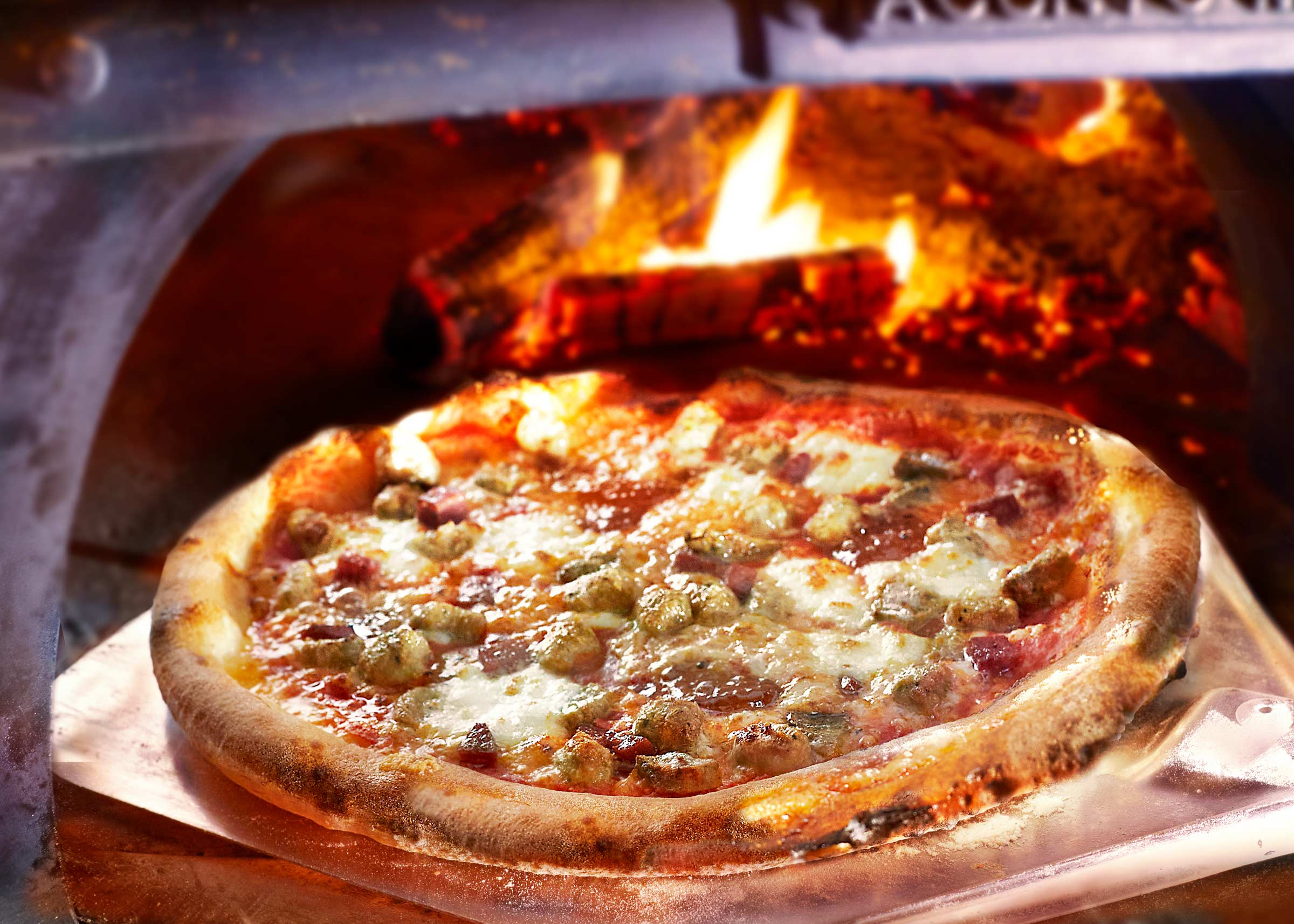 CARNE Pizza House-Made San Marzano Sauce, Bacon Jam, Salami, Spicy & Sweet Sausage, Meatballs & Fior De Latte Mozzarella