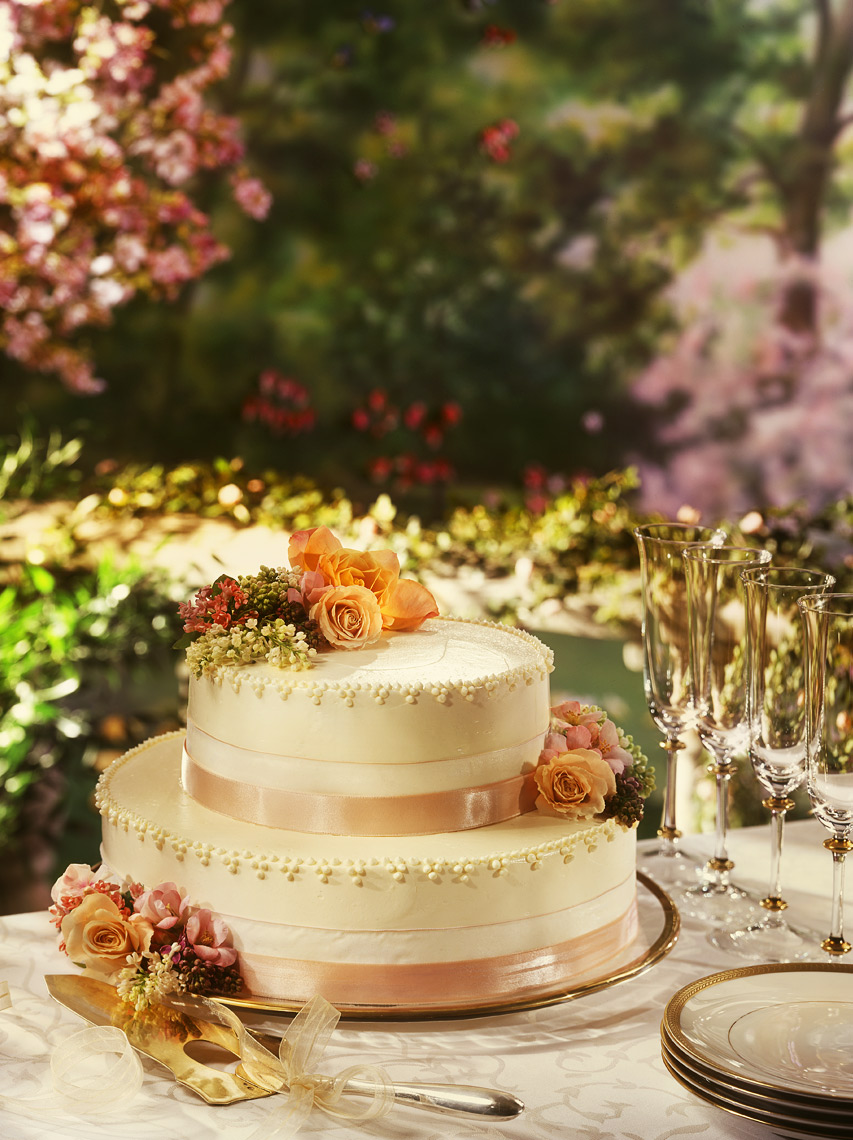 Two-Tiered-Wedding-cake